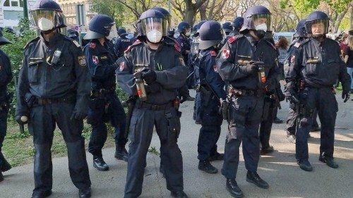 Vienna: polizia provoca un'ingiustificata escalation di violenza al termine della manifestazione del 1 Maggio