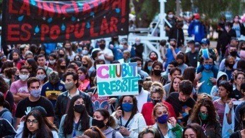 Argentina: Hensel difende le imprese minerarie e giustifica la repressione dei membri delle assemblee