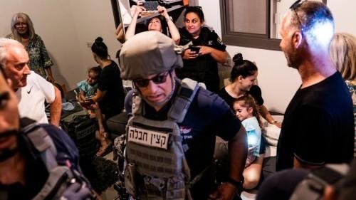 """""""Gli Hamas"""" stanno arrivando: una visione della violenza dall'interno di Israele"""
