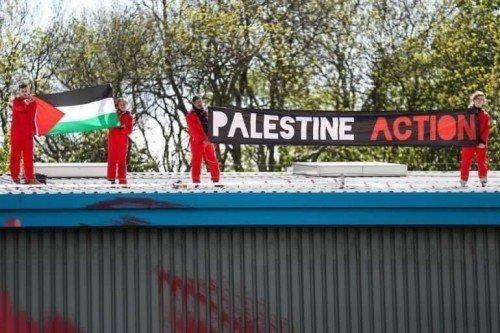 Inghilterra: attivisti pro-Palestina bloccano due fabbriche di armi israeliane