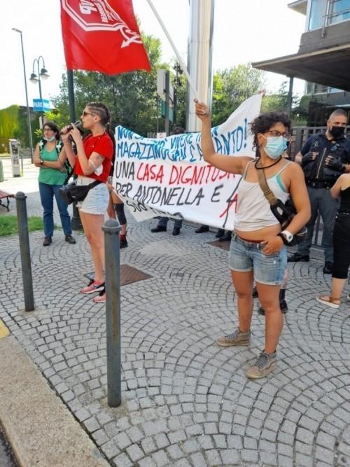 TORINO: AGGRESSIONE POLIZIESCA CONTRO IL COLLETTIVO PRENDOCASA