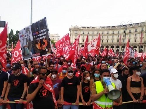 ROMA: IN MIGLIAIA ALLA MANIFESTAZIONE NAZIONALE DEI SI COBAS DOPO L'OMICIDIO PADRONALE DI ADIL