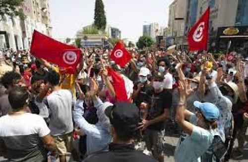 TUNISIA. PARLAMENTO DIMISSIONATO DAL PRESIDENTE SAIED. ESERCITO NELLE STRADE
