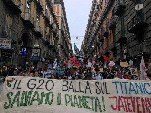 In tremila al corteo contro il G20 dell'ambiente di Napoli