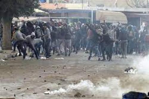 Tunisia: rimpasto istituzionale o colpo di Stato?