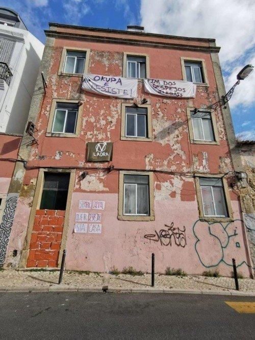 """Lisbona: sgomberata """"Casa de Ladra"""" per fare spazio alla gentrificazione"""