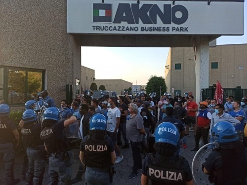 Trucazzano (Milano): Fogli di via agli operai licenziati