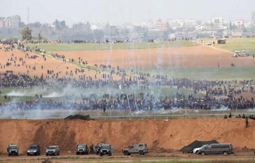 GAZA. Soldati israeliani uccidono un palestinese durante le proteste al confine